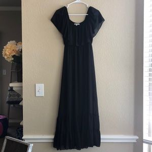 Black Off-the-shoulder Maxi Dress